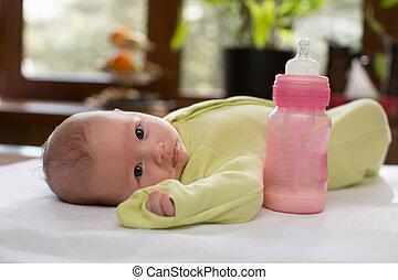 concepto, alimento, recién nacido, parenting, botella, nena,...