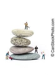 concepto, empresarios, obstáculos, superación, miniatura, trabajo en equipo