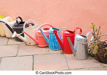 concepto, jardinería, Regar,  -, lata, pasatiempo, fila