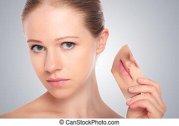 concepto, skincare, ., piel, de, belleza, mujer joven, con, herpes, en, labios, rojez, piel, problemas, acné, sarpullidos, en, un, fondo gris