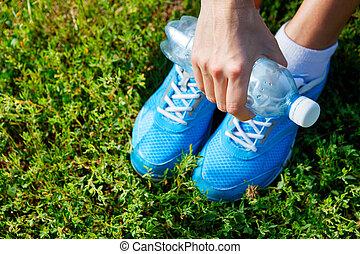 concepto, zapatos, imagen,  -, Funcionamiento, pasto o césped