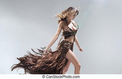 conceptueel, portriat, van, de, vrouw, uitputtende jurk,...