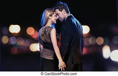 conceptuel, portrait, de, a, jeune couple, dans, élégant, robes soirée