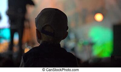 concert, foule, gens, silhouettes, fond, étape