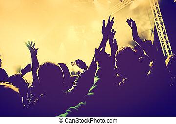 concert, gens, mains haut, disco, nuit, club., partie.