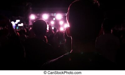 concert, rocher, ralenti, gens