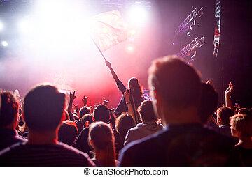concerto, persone, spotlights., fondo, roccia, salone, palcoscenico