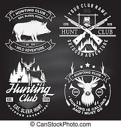 concetto, club, verro, caccia, etichetta, camicia, disegno, montagne, vendemmia, fucile, forest., vector., chalkboard., stampa, cervo, stamp., distintivo, set, tipografia, cacciatore