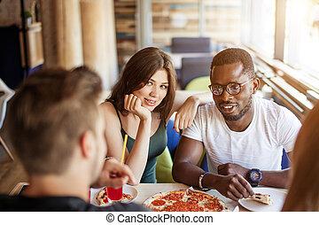 concetto, persone, squadra, felice, consumo pizza, caffè, pranzo, -, cibo, amicizia
