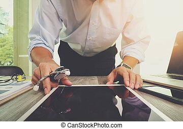 concetto, tavoletta, lavorativo, dottore, medico, moderno, mano, medicina,  computer, digitale, interfaccia, rete