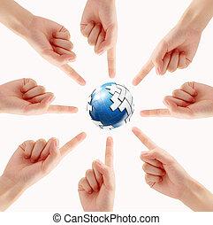 concettuale, simbolo, di, uno, terra verde, globo, con, multirazziale, mani umane