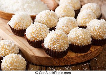 condensed, beurre, mélange, baisers, brésilien, (beijinhos, coco, flocons, sucré, noix coco, traditionally, fait, lait, de