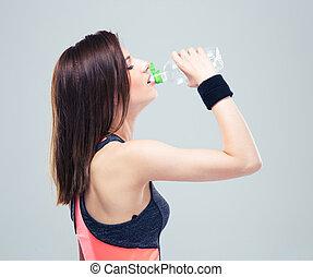 condicão física, mulher jovem, água potável