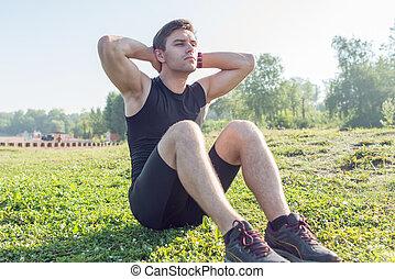 condicão física, training., jovem, desportista, fazendo, abdominal, crunches, outdoors.