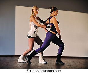 condición física, mujer, entrenador personal