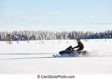 condução homem, snowmobile, em, finland