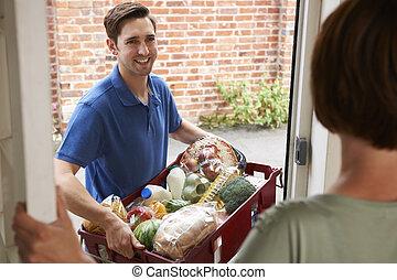 conductor, tienda de comestibles que va de compras en línea directa, entregar, orden