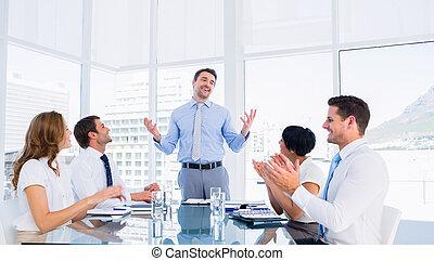 conférence, applaudir, cadres, table, autour de