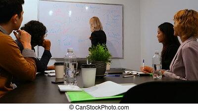 conférence, présentation, donner, femme affaires, 4k, salle