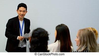 conférence, présentation, donner, homme affaires, 4k, salle