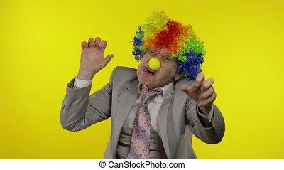 confection, clown, patron, idiot, entrepreneur, homme affaires, jaune, faces., personne agee, fond