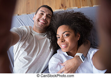 confection, couple, smartphone, heureux, photoshoot