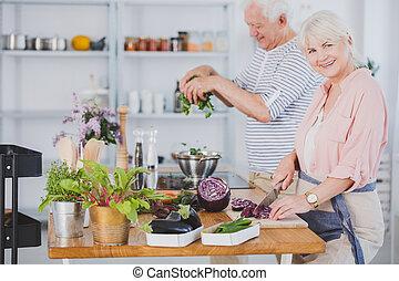 confection, couples aînés, salade
