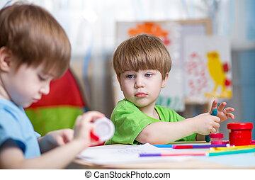 confection, enfants, mains