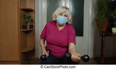 confection, exercisme, haltérophilie, personnes agées, pendant, dumbbells, caucasien, coronavirus, personne âgée femme, maison