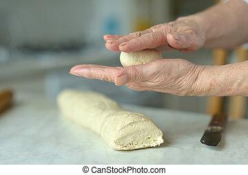 confection, femme, pâte