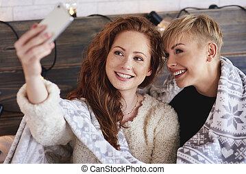 confection, selfie, amis, femme, chambre à coucher