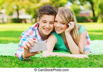 confection, selfie, couple, parc, sourire