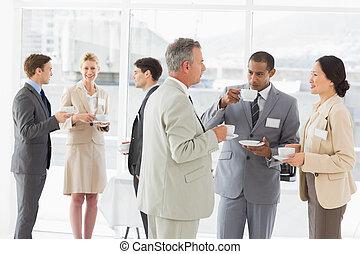 conferência, pessoas, café, negócio, conversando, bebendo