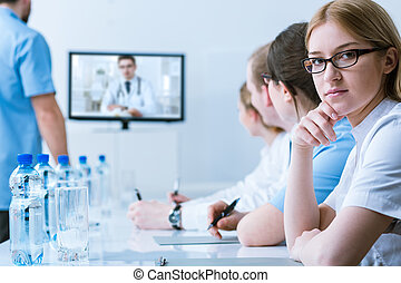 conferencia, distancia, médico