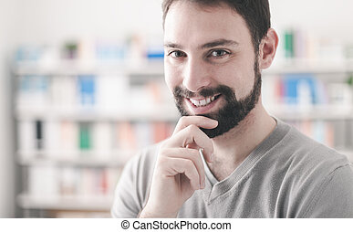 confiado, hombre, barbilla, mano