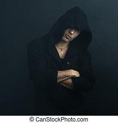 confiado, hoodie, negro, armamentos cruzaron, hombre, el suyo