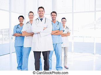 confiado, retrato, grupo, doctors, feliz