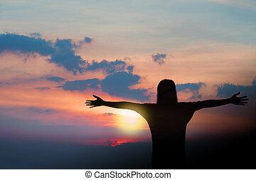 confiance, femme, bras, sous, fort, ouvert, levers de soleil