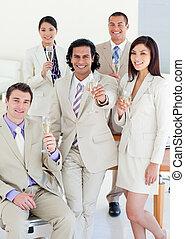 confiant, équipe, reussite, business, célébrer