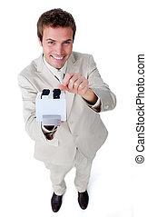 confiant, homme affaires, recherche, pour, les, indice