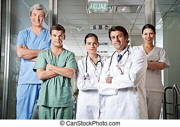 confiant, professionnels médicaux