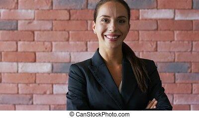 confiant, queue cheval, femme affaires