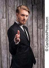 confiant, style., jeune, pointage, homme, beau, sien, formalwear, vous