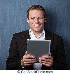 confiante, homem negócios, tablet-pc