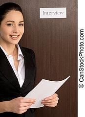 confiante, mulher, pronto, entrevista, cv., sorridente pé, ...