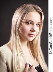 Confident attractive caucasian female office worker in ...