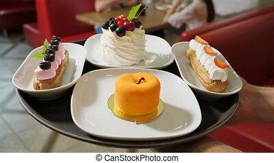 confiseur, café, attente, savoureux, gâteaux, invités, porte