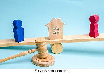 conflict., uomo, court., persone., prova, house., legno, clarification, legale, scale., means., proprietà, divorzio, standing, proprietà, donna, figure, divisione