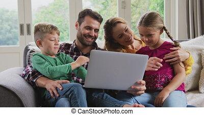 confortable, 4k, sofa, famille, ordinateur portable, maison,...