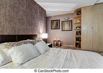 brun moutarde literie peinture jaune chambre coucher. Black Bedroom Furniture Sets. Home Design Ideas
